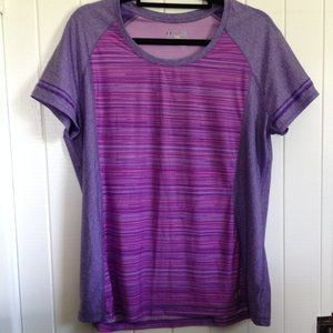 Under Armour tee size XL, purple / pink
